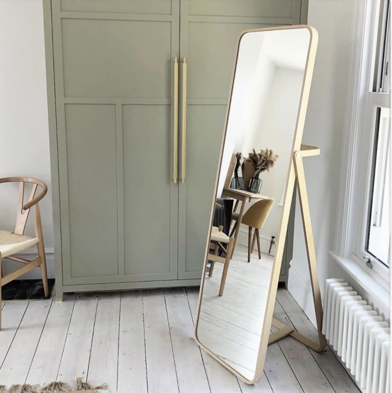 36 Inspiring Green Gray Interior Spaces - IMAGE: via @theoakhousee on Instagram, feat. 'Normandy Grey' from Little Greene Paint Company.