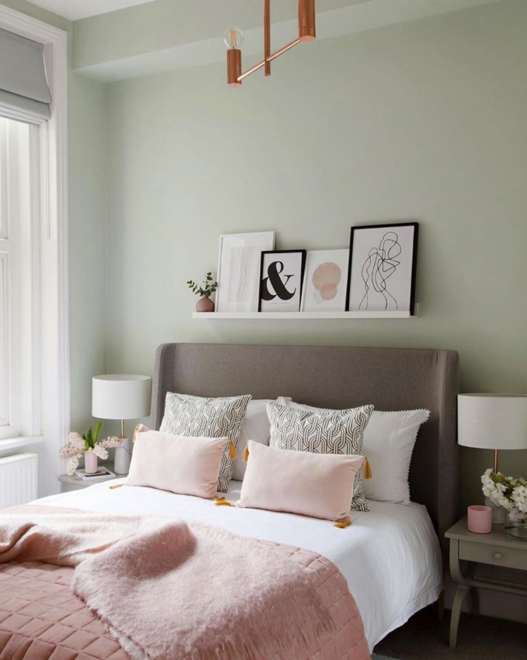 36 Inspiring Green Gray Interior Spaces - IMAGE: via @rukminipatelinteriordesign on Instagram, Photography by @megantaylorphoto, Styled by @house_of_wolf_interiors and @rukminipatelinteriordesign feat. paint color 'Pale Powder' from Farrow and Ball.