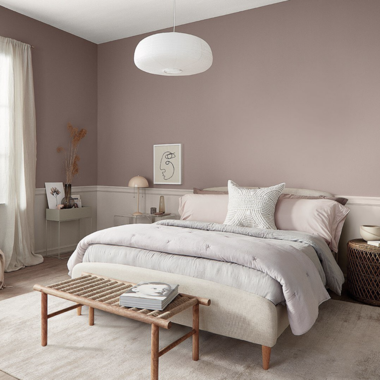 Dusty Pink Bedroom and Decor Inspiration - IMAGE: via @sherwinwilliams on Instagram, feat. paint color 'Glamour SW 6031' from Sherwin Williams.