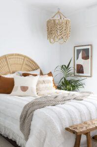RE-CREATE THE LOOK: 3 White Minimalist Boho Bedrooms - Image via Style Curator by Villa Styling.