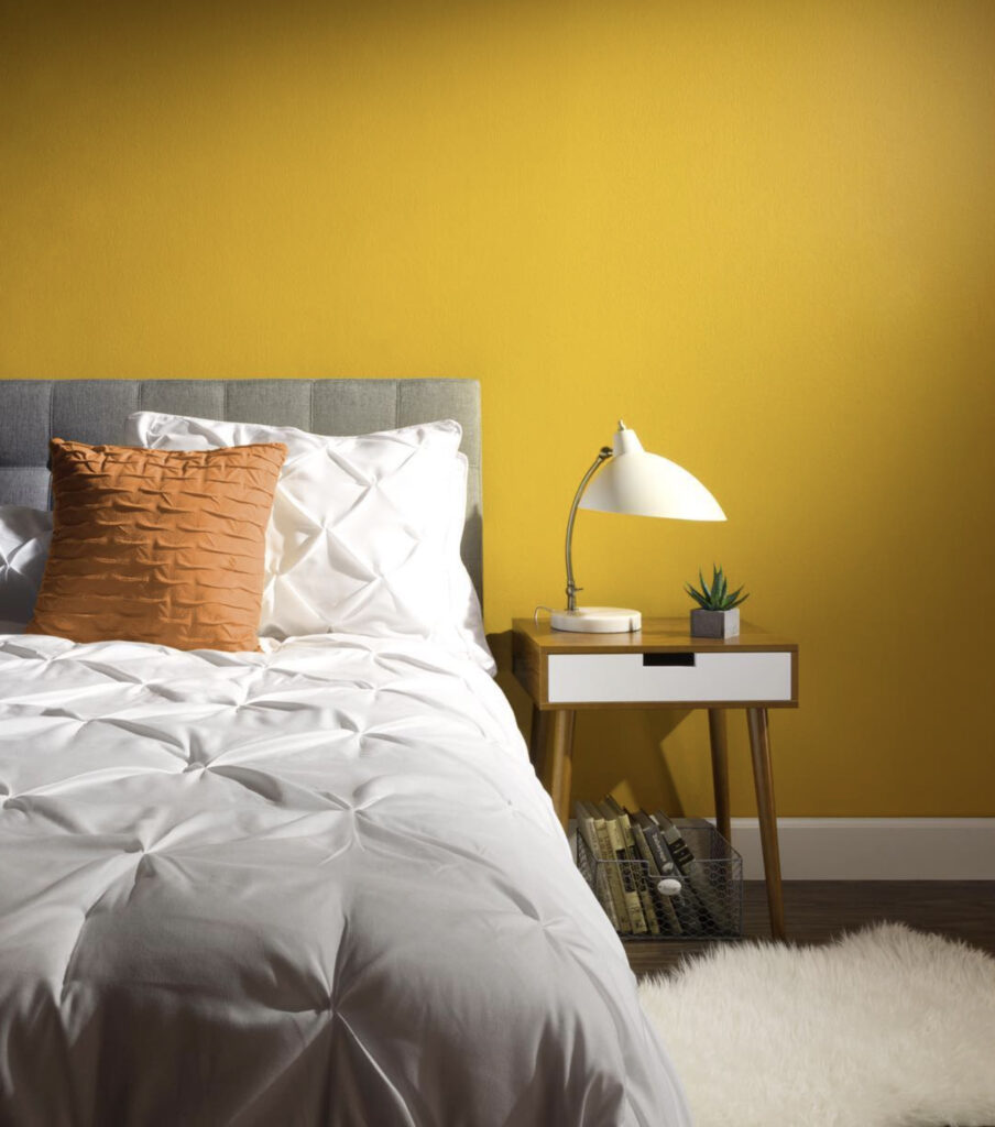 Yellow bedroom, COLOR: 'Life is Good T18-05' from Behr Paint, IMAGE: via @behrpaint