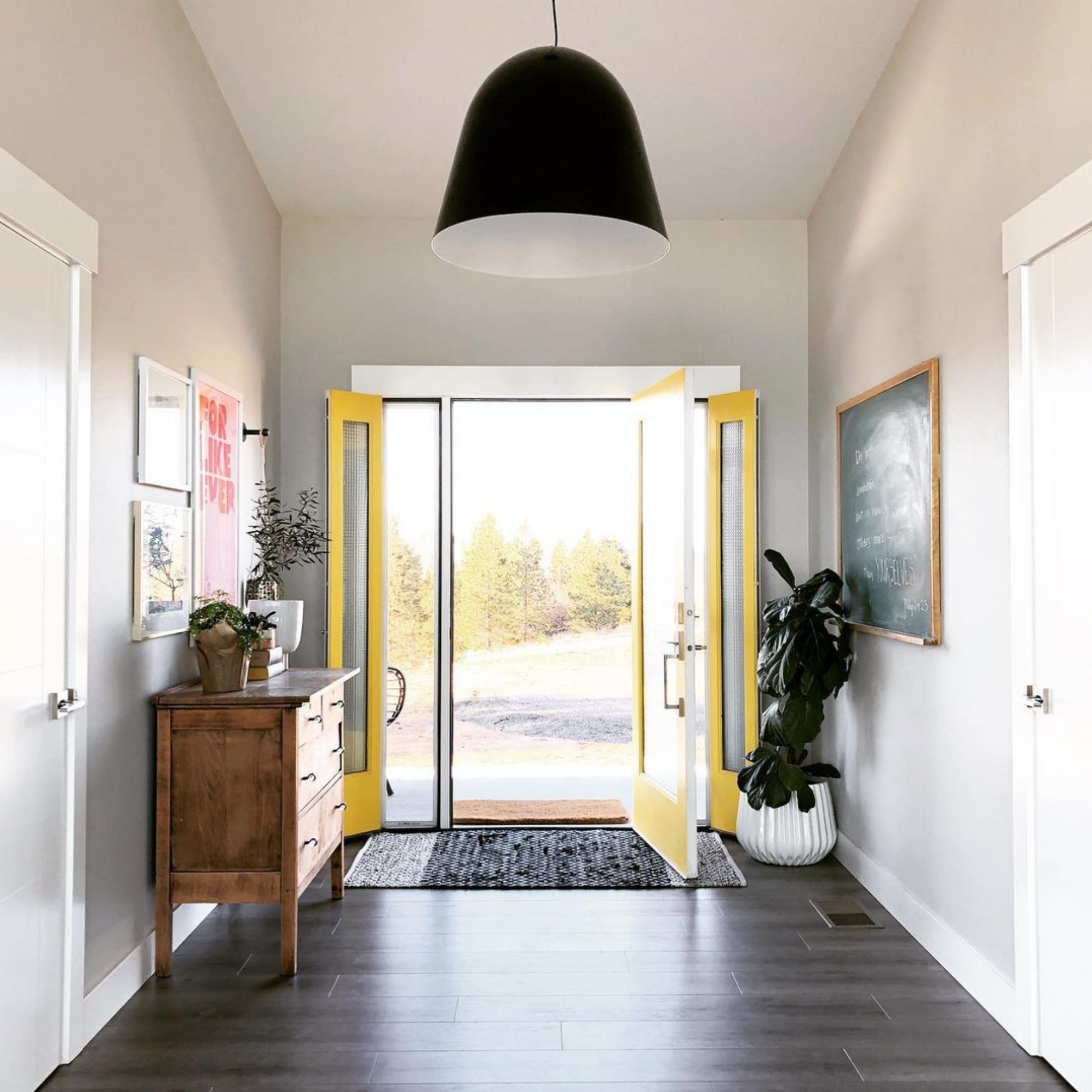 20+ Beautiful Light Greige Paint Colors feat. 'Repose Gray' from Sherwin Williams, IMAGE CREDIT: @marnie.hansen on Instagram