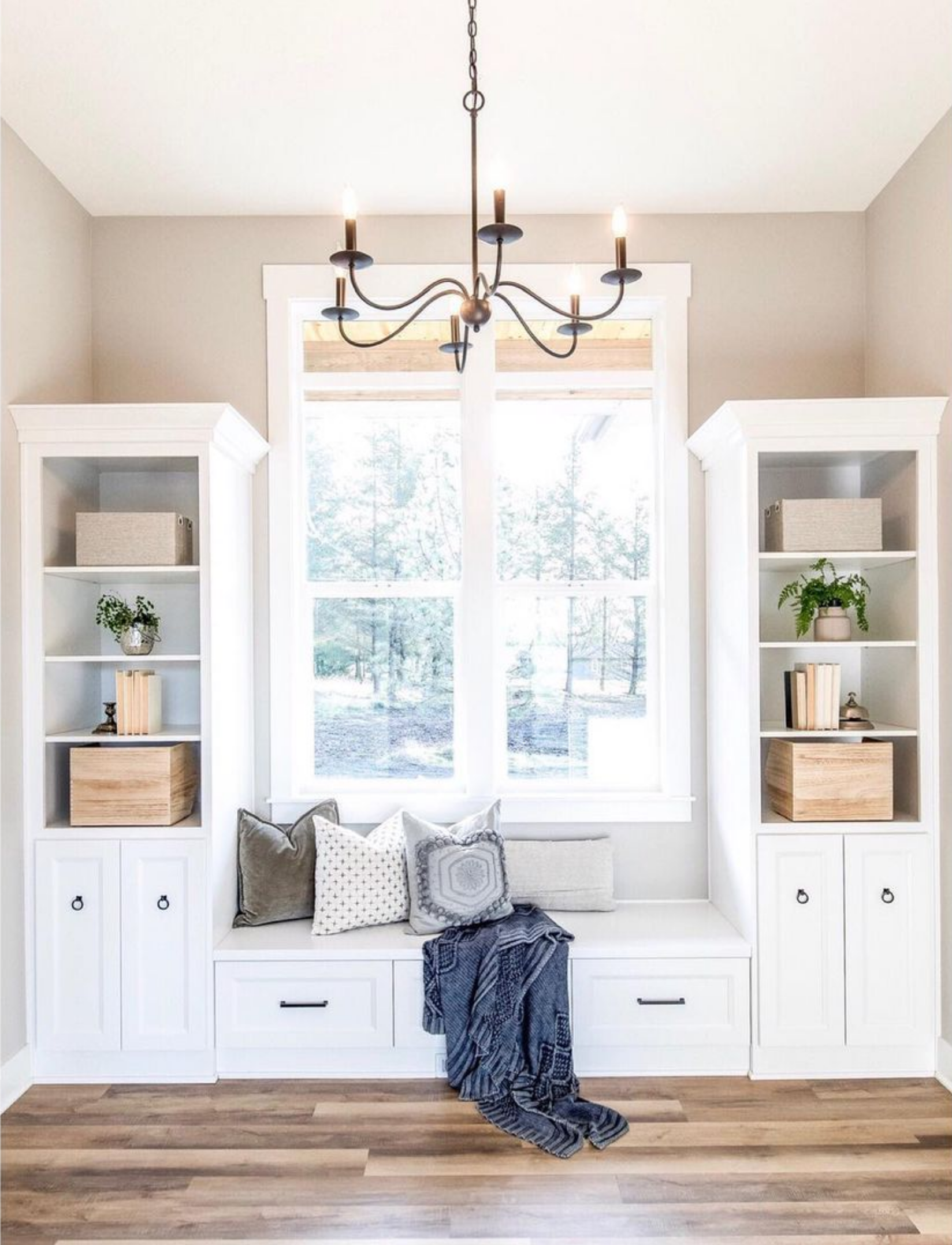 20+ Beautiful Light Greige Paint Colors feat. 'Repose Gray' from Sherwin Williams, IMAGE CREDIT: @fridleyhomes on Instagram