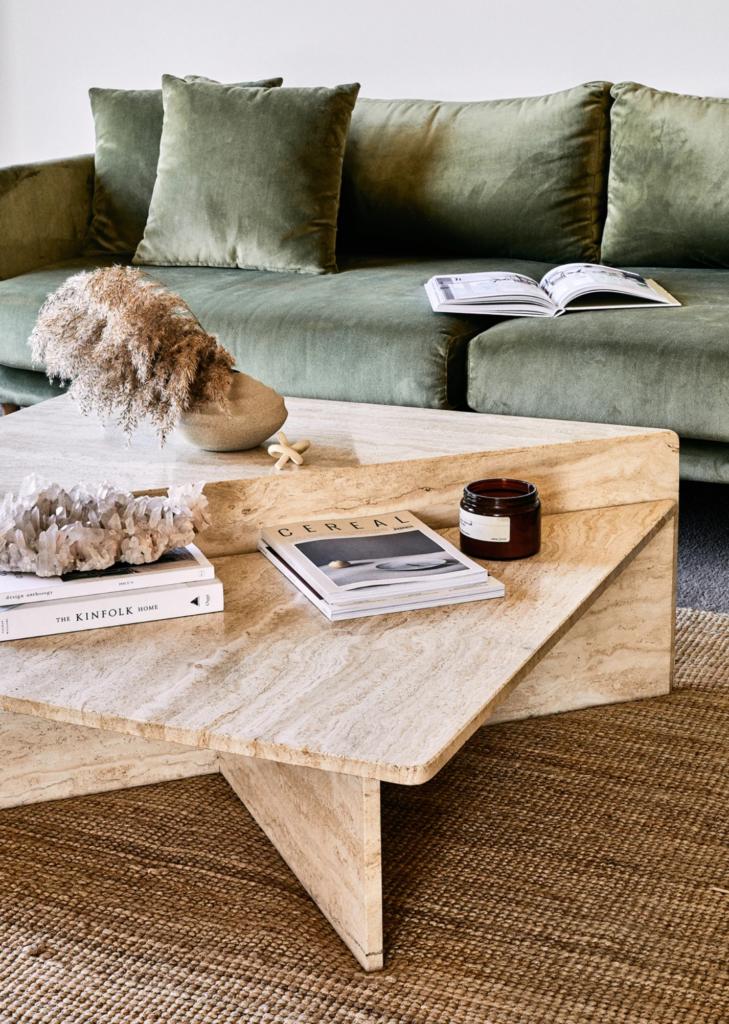 14+ Beautiful Sage Green Velvet Sofa Options - IMAGE via @en._gold on Instagram