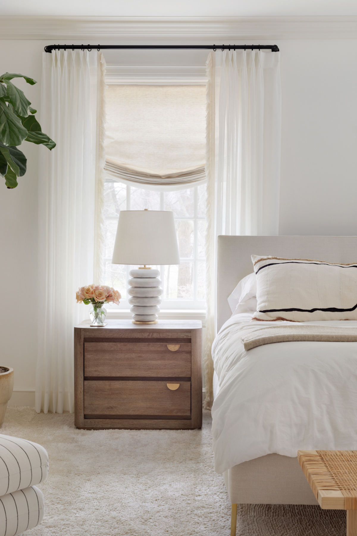 Best Warm White Paint Colors - Benjamin Moore - IMAGE: by Emily Sidoti, Design: Lauren Johnson Interiors via Haven feat. paint color 'Simply White' from Benjamin Moore