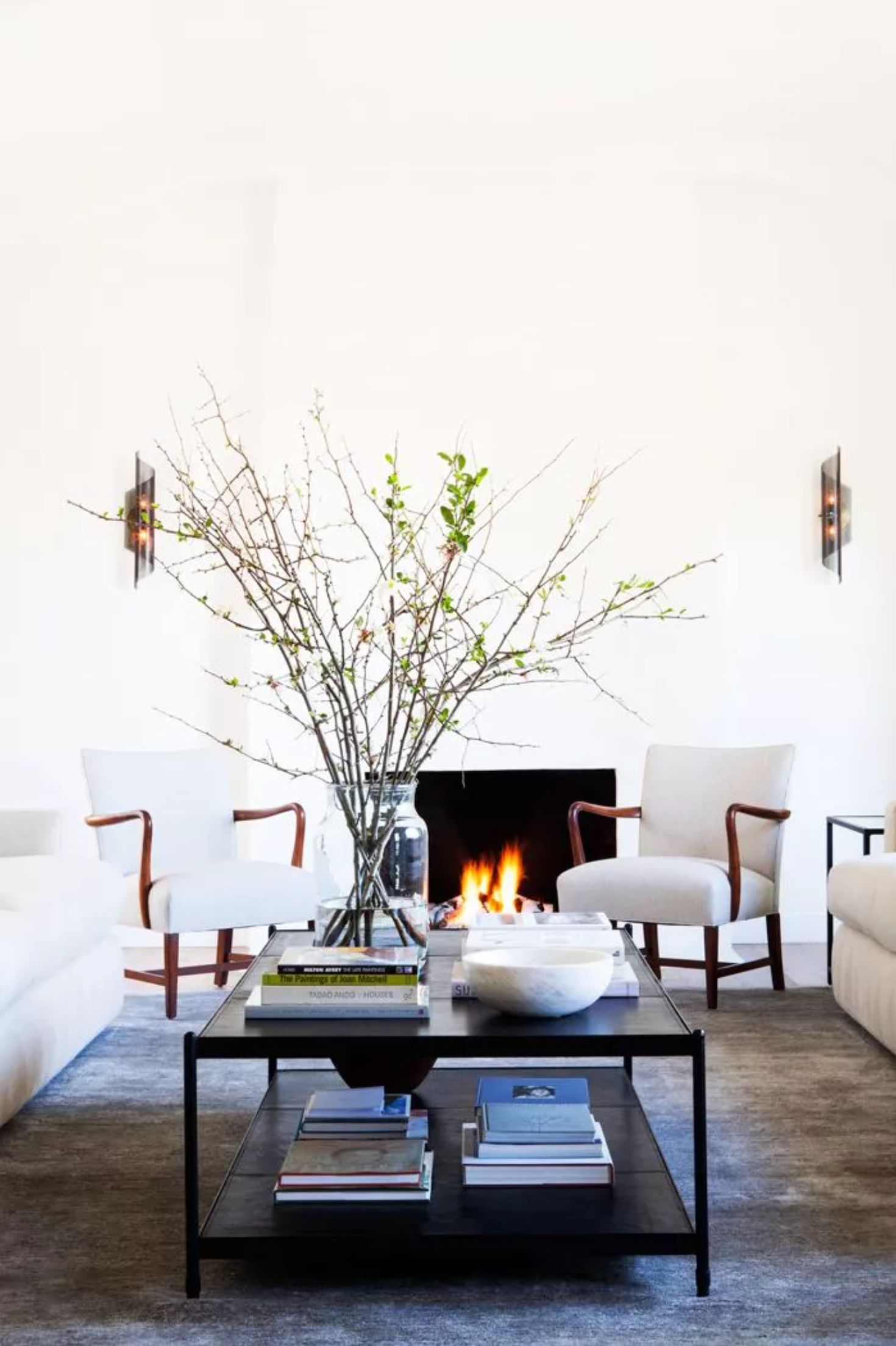 Best Warm White Paint Colors - Benjamin Moore - IMAGE: by D. Gilbert Photography, Design: DISC Interiors via MyDomaine feat. paint color 'White Dove' from Benjamin Moore