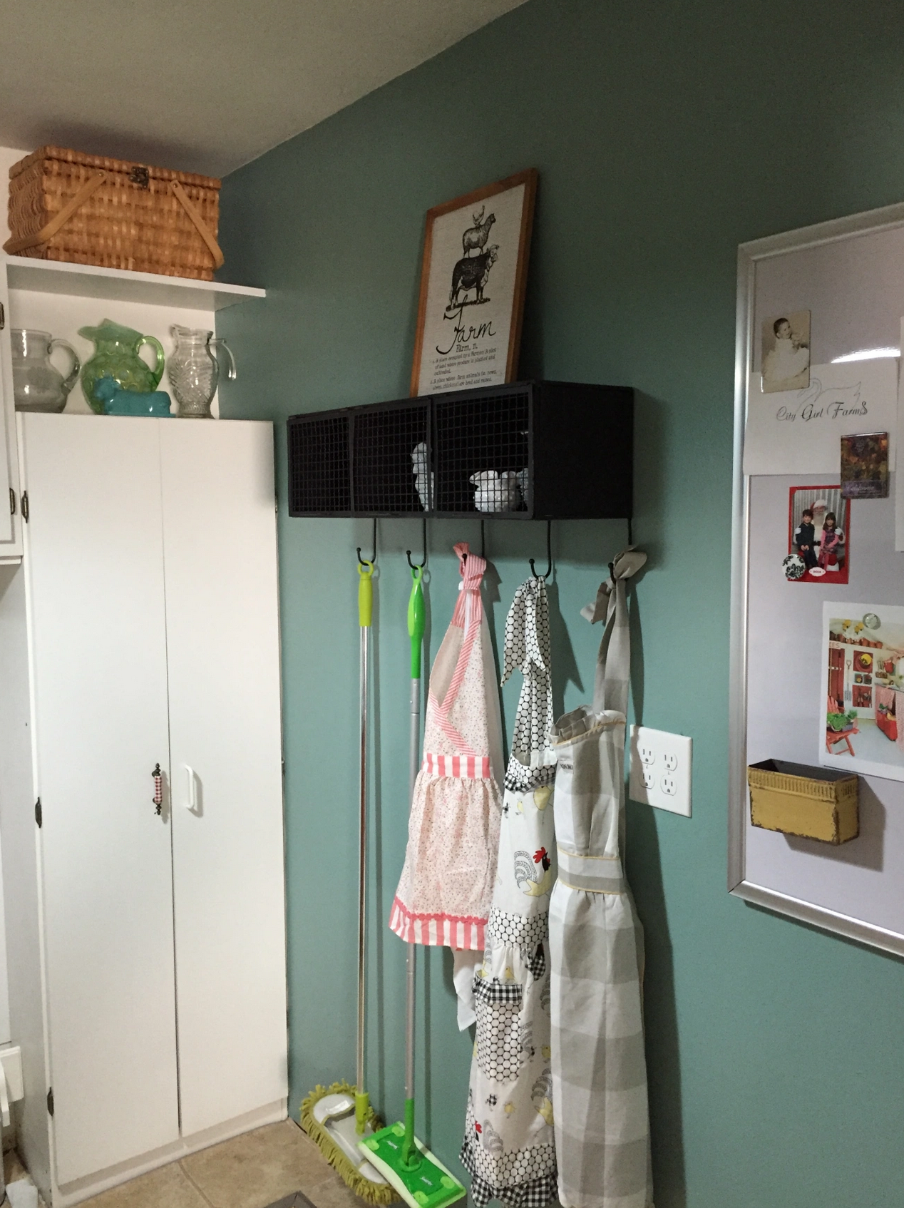 IMAGE: via Country Girl Bling feat. paint color 'Green Meets Blue' from Behr
