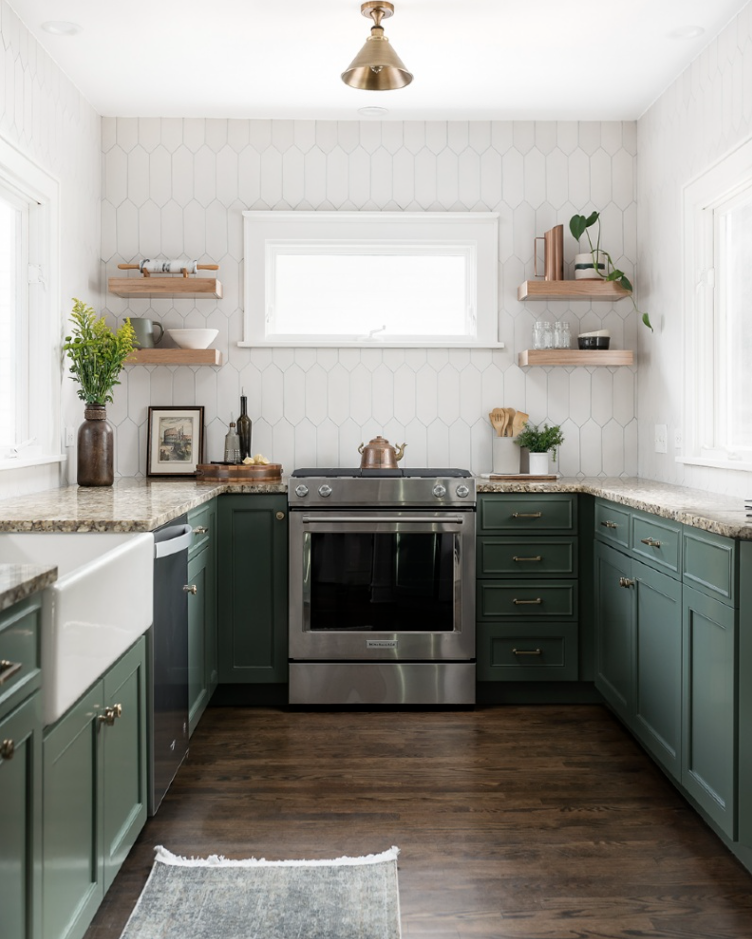 IMAGE: via Chad Esslinger Design feat. paint color 'Cushing Green' from Benjamin Moore