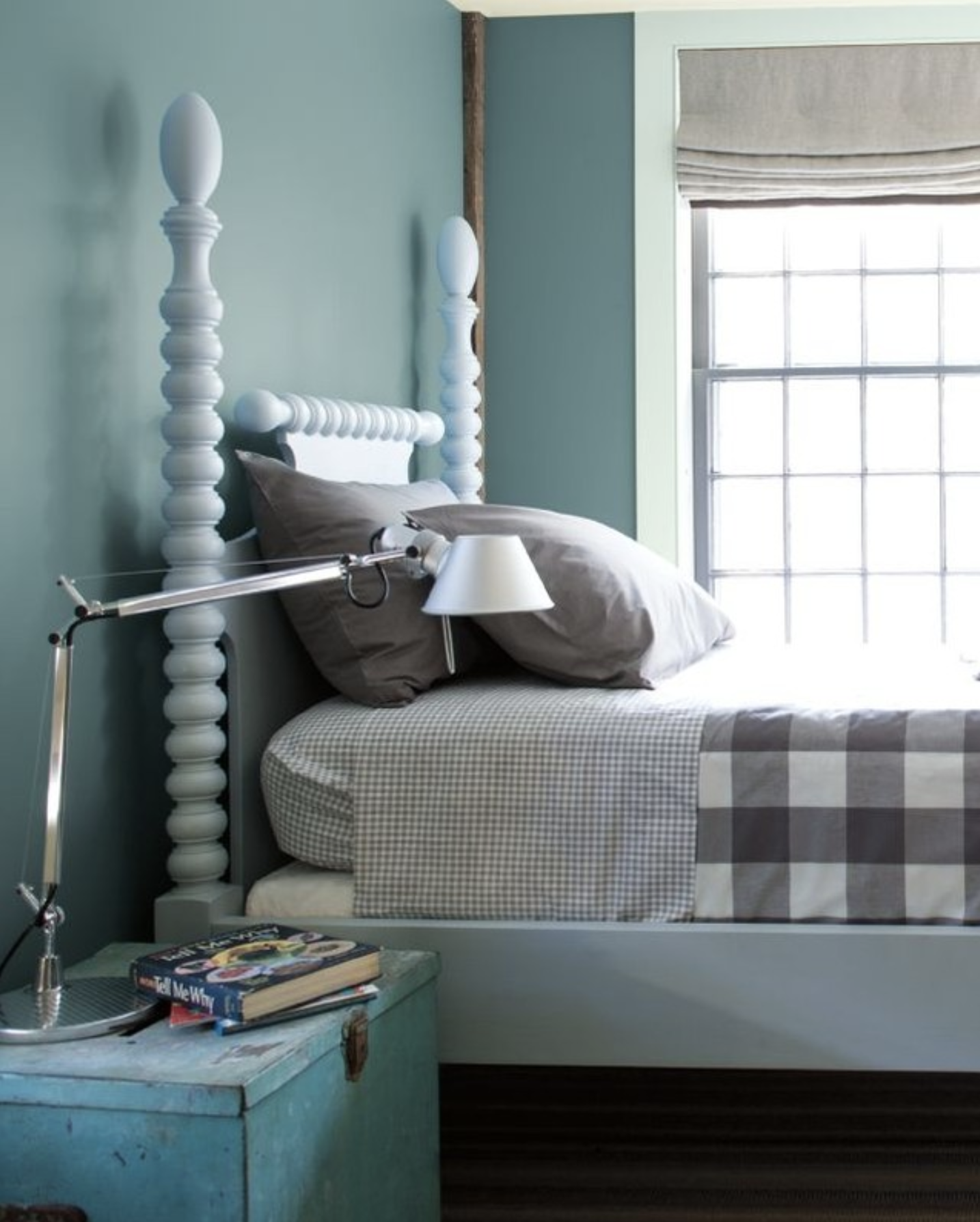 IMAGE: via @benjaminmoore feat. paint color 'Whythe Blue' from Benjamin Moore
