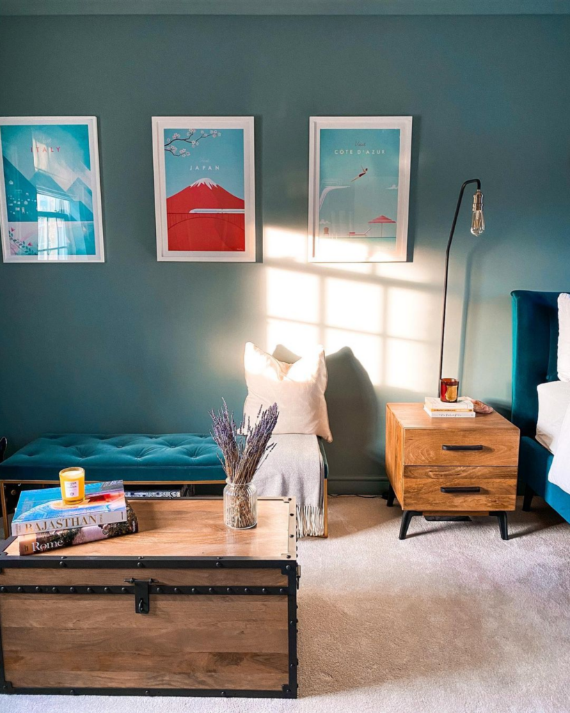 IMAGE: via @frowhome feat. paint color 'Oval Room Blue' from Farrow and Ball