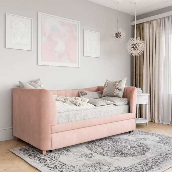 Image via Wayfair feat. 'Valentina' Daybed