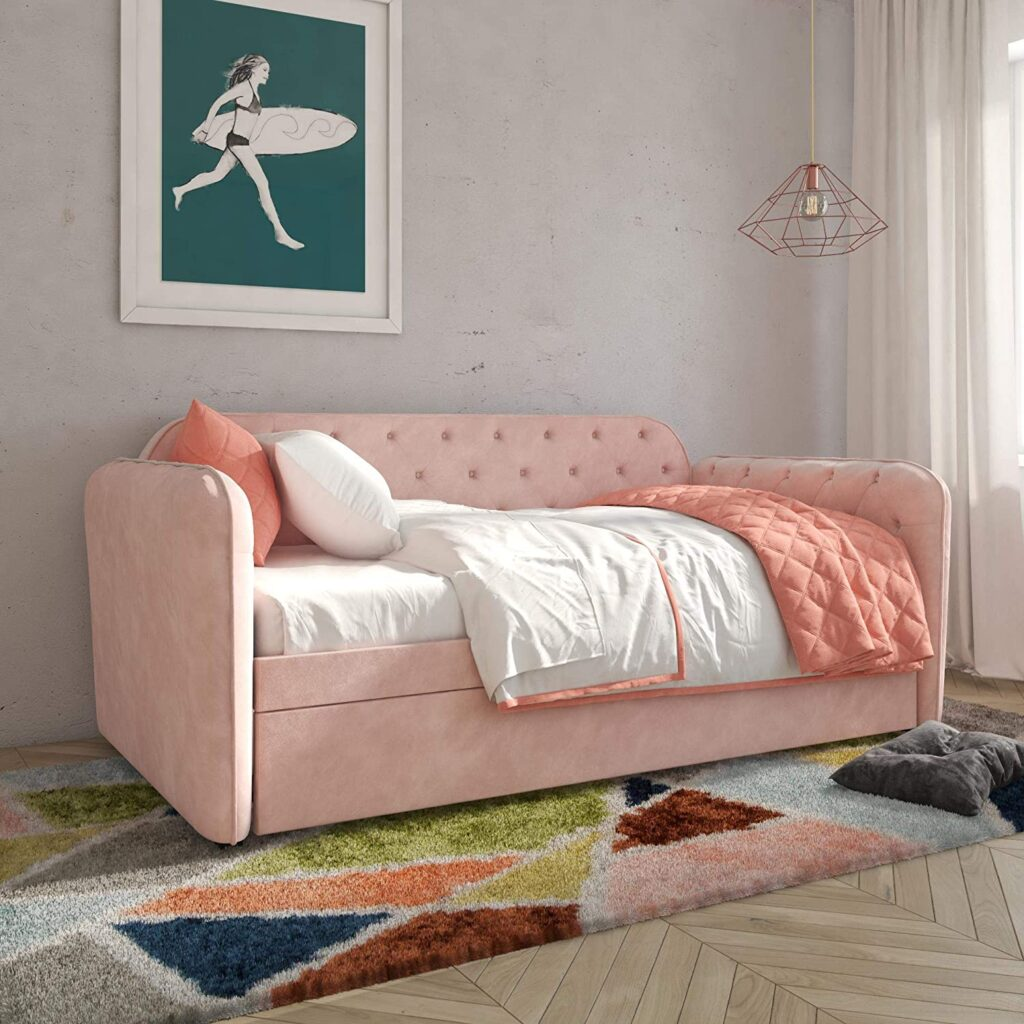 Image via Amazon feat. 'Tallulah' Daybed