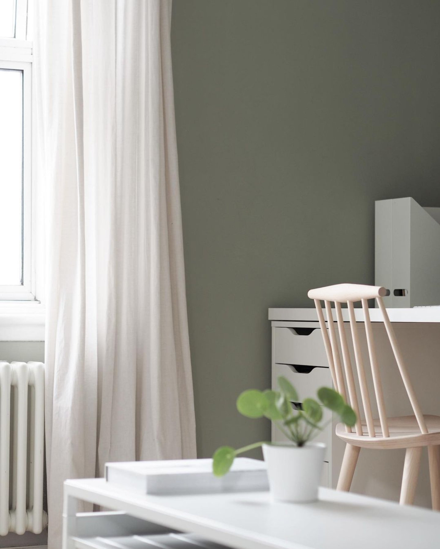 Image via @holly.beechener, feat. paint color 'Normandy Grey' from Little Greene Paint Company