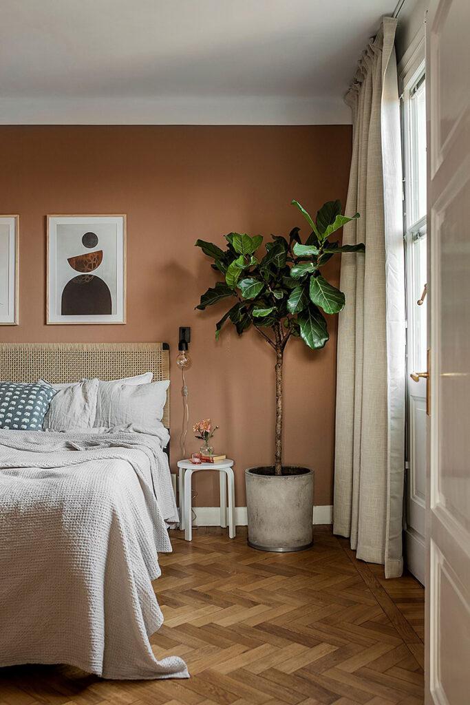 Earth Tones: Terracotta Bedroom Ideas and Paint Colors - Image via Pufik Homes