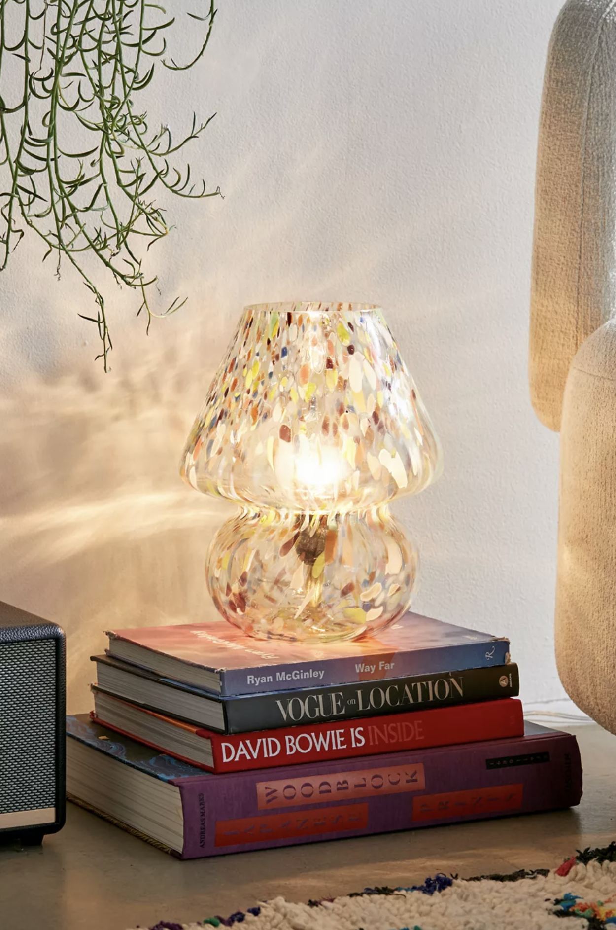 RETRO ROUND-UP: 70s Style Mushroom Lamps - Image via Urban Outfitters, feat. 'Confetti Glass Table Lamp'