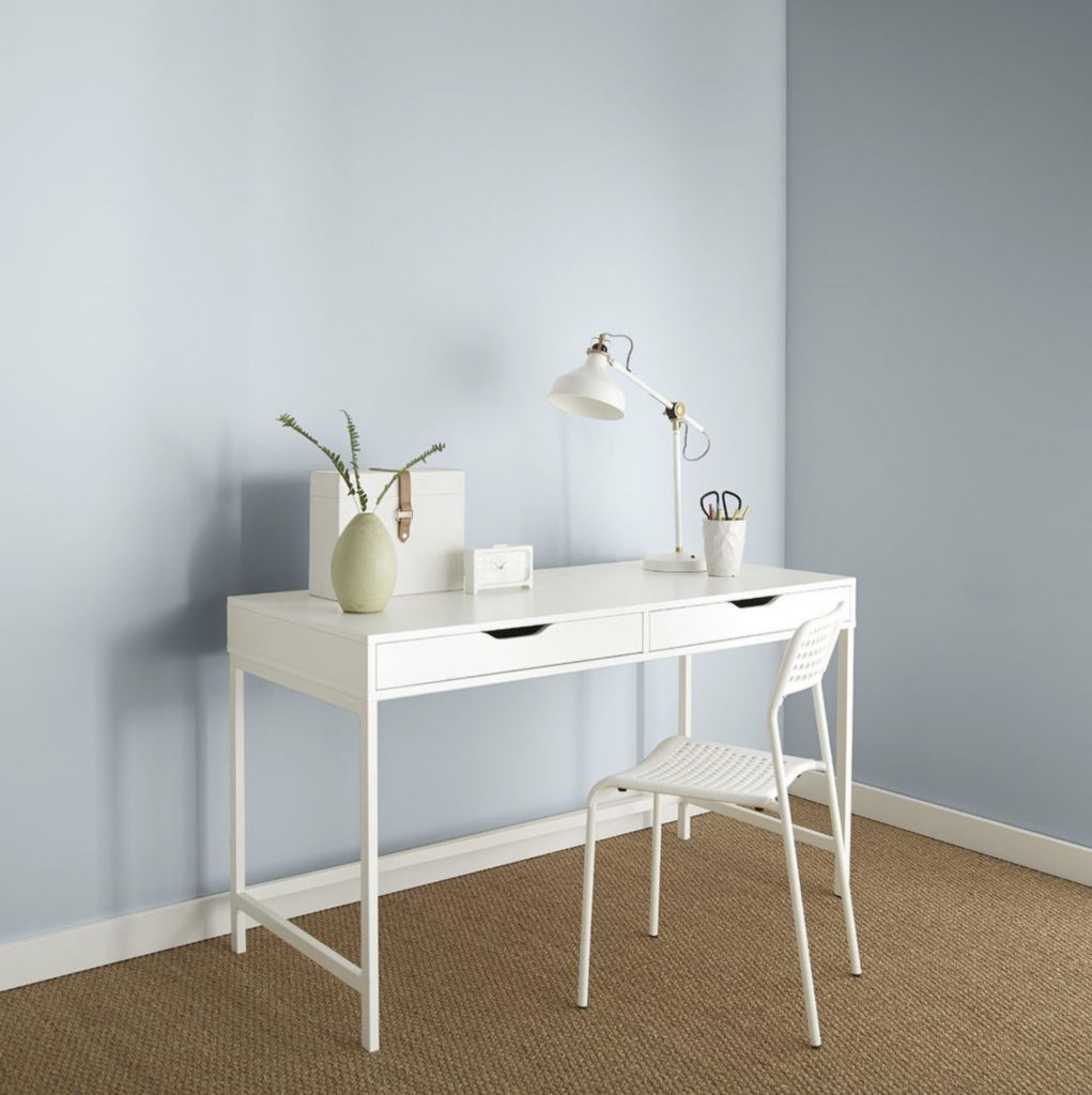 Image via @behrpaint, feat. wall paint color: 'Light Drizzle' by Behr