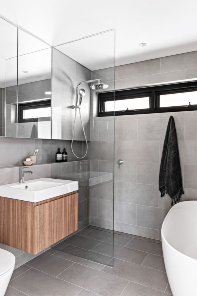 What Color Towels Work Best for Gray Bathrooms? Photo by Kitty Lee Architecture via Houzz, gray and white bathroom ideas