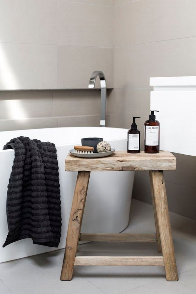 What Color Towels Work Best for Gray Bathrooms? Photo by Martina Gemmola via Domino