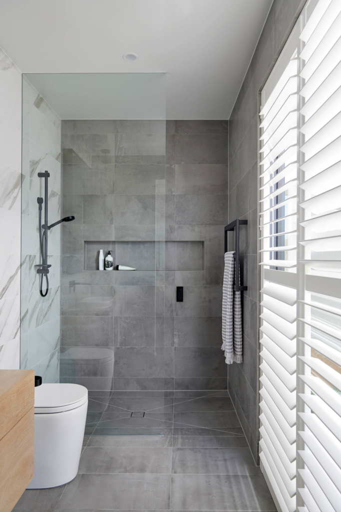 What Color Towels Work Best for Gray Bathrooms? Photo by Graham Jones Design via Houzz, gray and white bathroom ideas