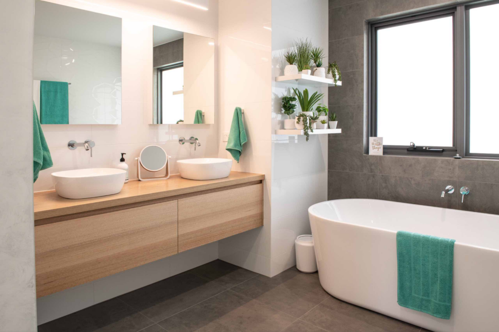 What Color Towels Work Best for Gray Bathrooms? Teal - Photo by Starbox Architecture via Houzz