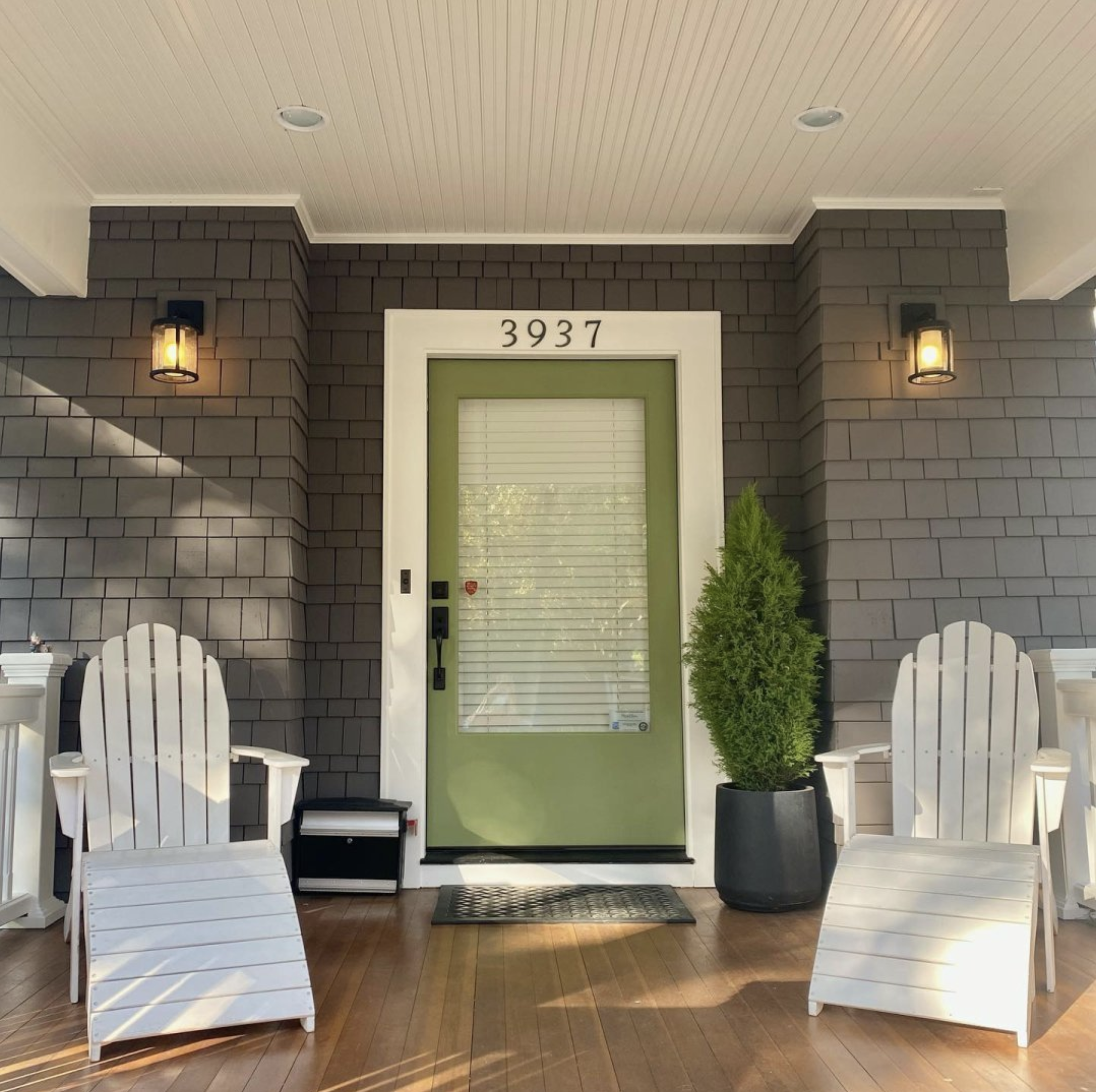 Image via @olivewoodcolor, feat. paint color: 'Folkstone' by Sherwin Williams