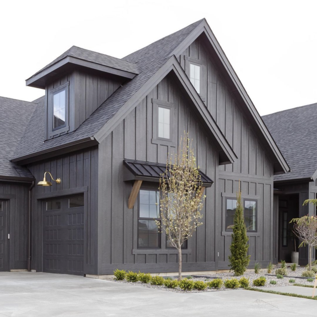 Beautiful Dark Gray Exterior Paint Colors in Action - Image via @laurensmythedesign, Photography by @andimarshallinteriors feat. paint color: 'Iron Ore' by Sherwin Williams