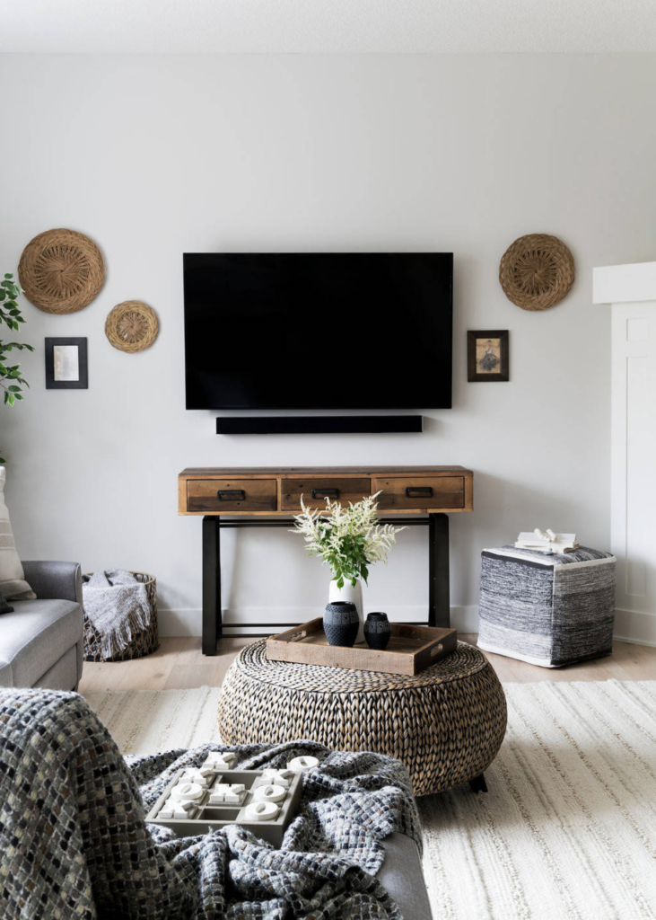 20+ Modern Console Table Ideas for Under Your Wall Mounted TV feat. Photo by MJay Photography via Houzz