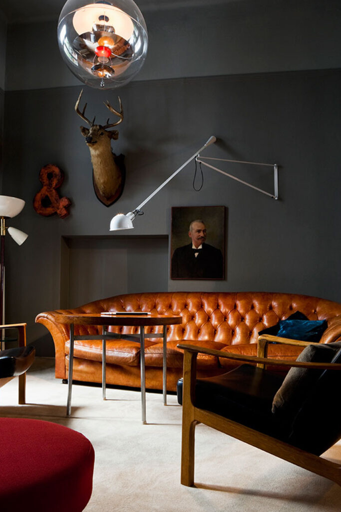 10 Colors That Go With Charcoal Gray Walls - Photo by Vassil via Yatzer